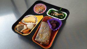 太刀魚の生姜煮 いり鶏 きくらげの酢の物